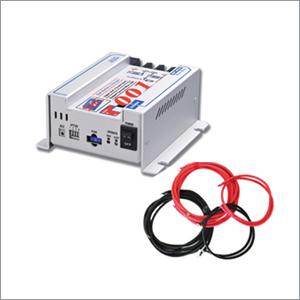 車中泊バッテリー充電器